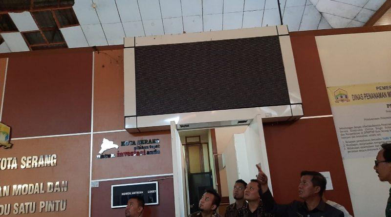 Roboh, Walikota Serang Tinjau Langsung Gedung DPMPTSP