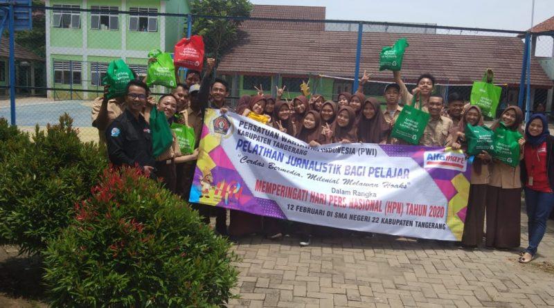 PWI Kabupaten Tangerang dan Alfamart Lakukan Pelatihan Jurnalistik Kepada Kaum Milenial
