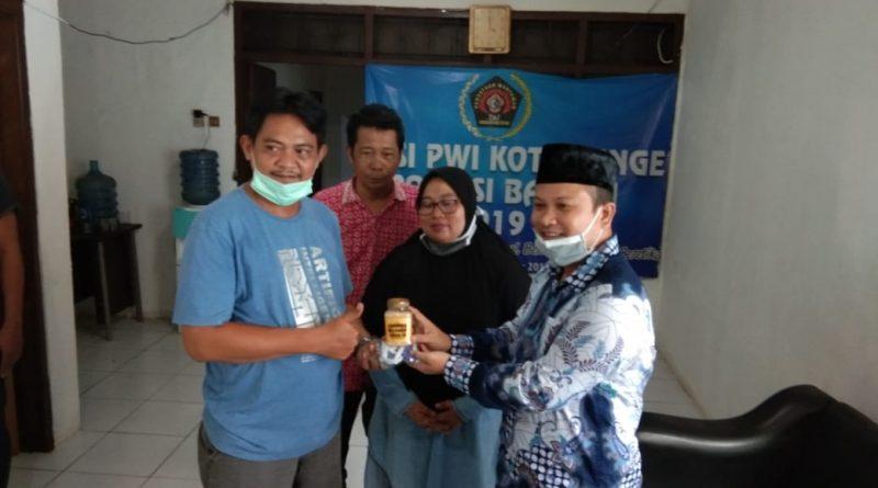 Dukung Wartawan Peliput Covid-19, Pemkot dan DPRD Beri Bantuan ke PWI