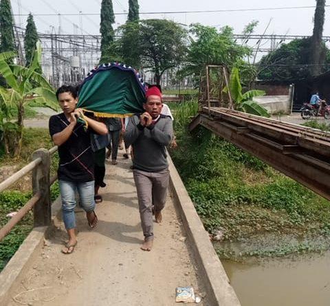 Sudah 30 Tahun, Warga Desa Sukamurni Berharap Ada Perbaikan Jembatan Menuju TPU Kepuh