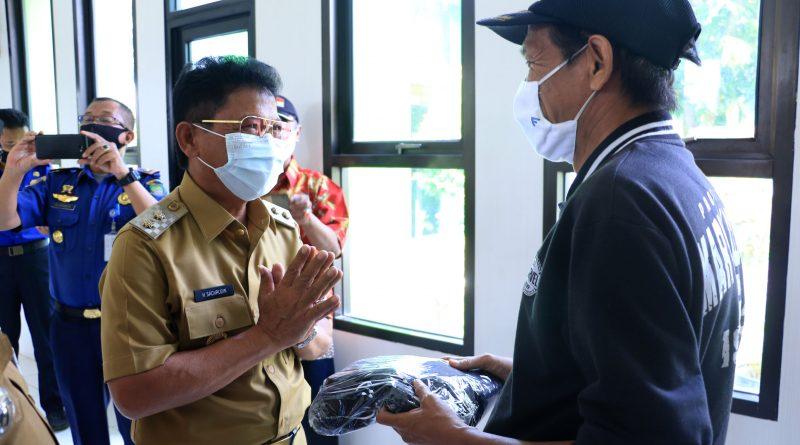 Pemkot Tangerang Bagikan 41.000 Masker di 82 RW Kecamatan Pinang