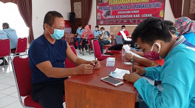 Perdana, Seluruh Pegawai Lapas Rangkasbitung Di Vaksinasi