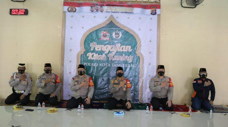 Laksanakan Program PRESISI Kapolri, Polresta Tangerang Kaji Kitab Kuning