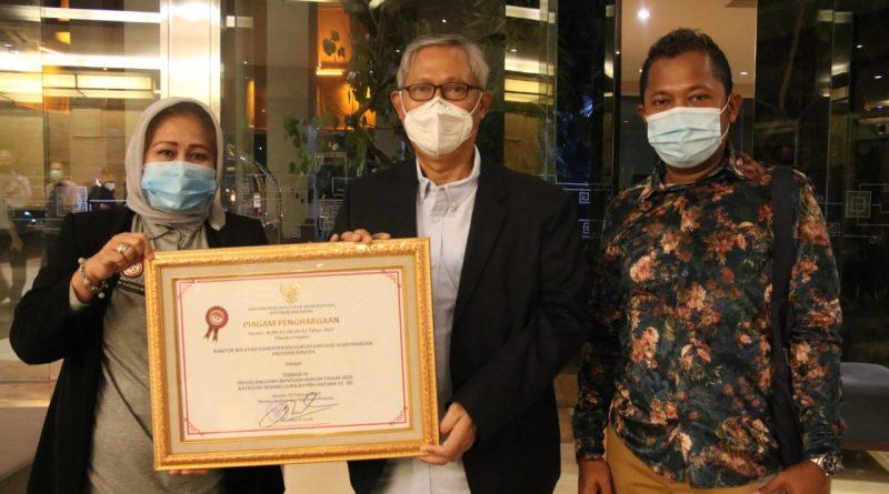 Wakil Kemenkum dan HAM RI, Berikan Penghargaan Terbaik Ke-3 Kepada Kakanwil Kemenkum dan HAM Banten