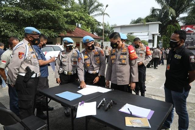 Cegah Penyalahgunaan, Propam Polda Banten Cek Senpi Personel